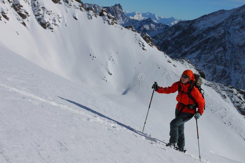 klättra i berg vinter royaltyfri foto