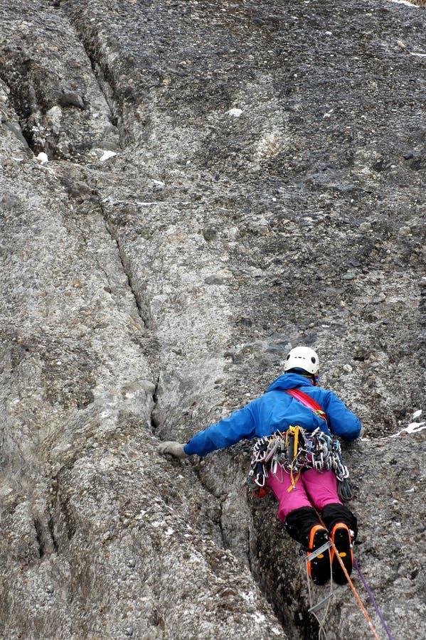 klättringbergvinter royaltyfri bild
