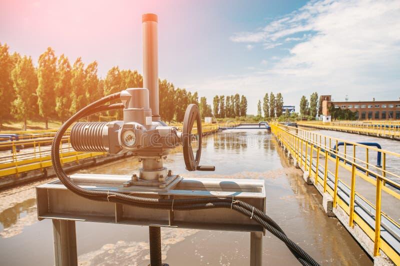 Kl?rwerk Schmutzwasserreinigungsanlagen Abwasserreinigung lizenzfreie stockbilder