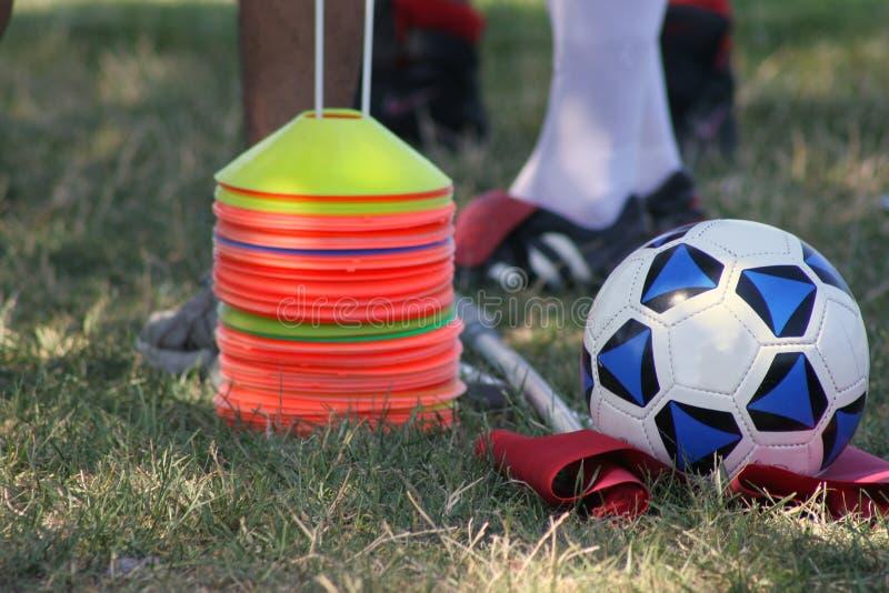 Klaar om voetbal te spelen stock afbeeldingen