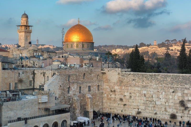 Klagemauer und Golden Dome des Felsens in alter Stadt Jerusalems, Israel stockbilder