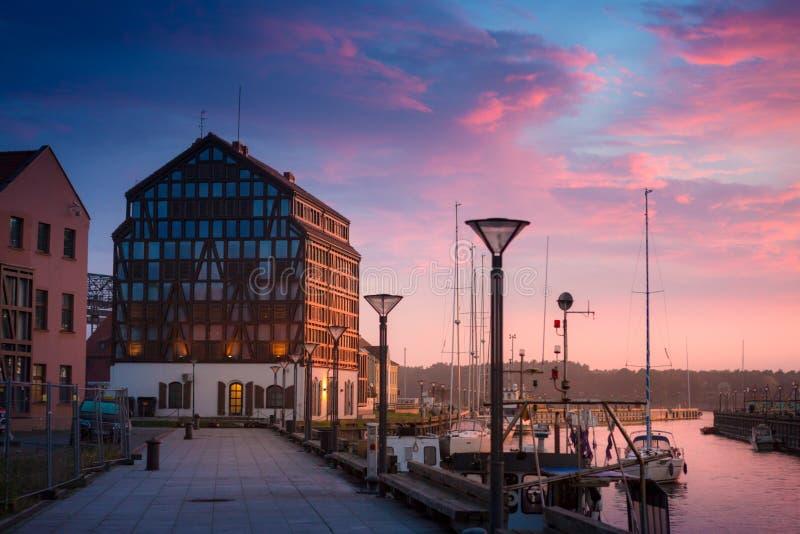 Klaipeda alla notte Fiume del danese e di Città Vecchia lithuania fotografia stock libera da diritti