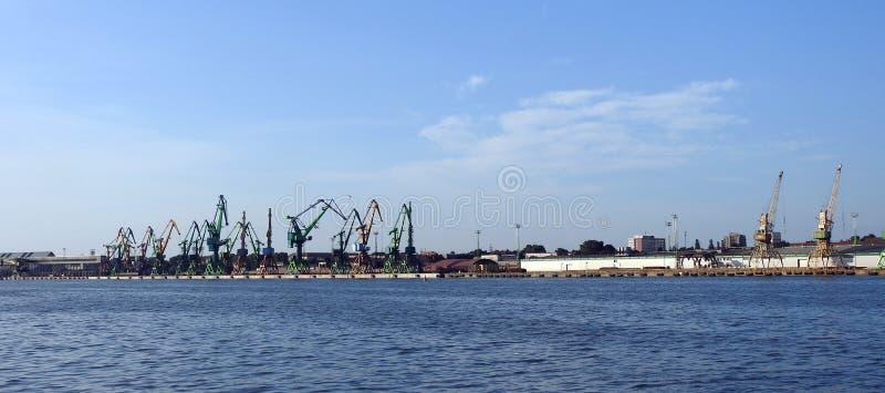 Klaipeda hamn, Litauen royaltyfria bilder