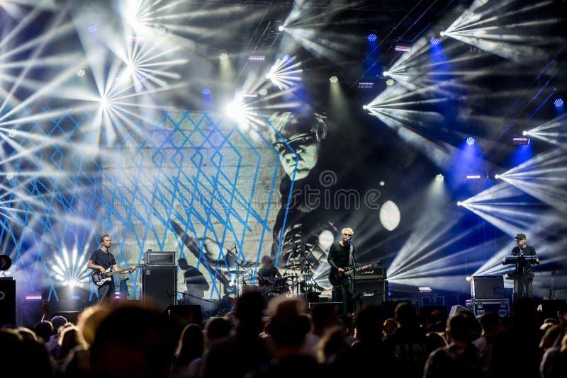 KLAIPEDA, LITUANIA - 19 DE AGOSTO DE 2017: Festival de música Karkle en Lituania Limón Joy Performance de la banda de la música e fotos de archivo libres de regalías