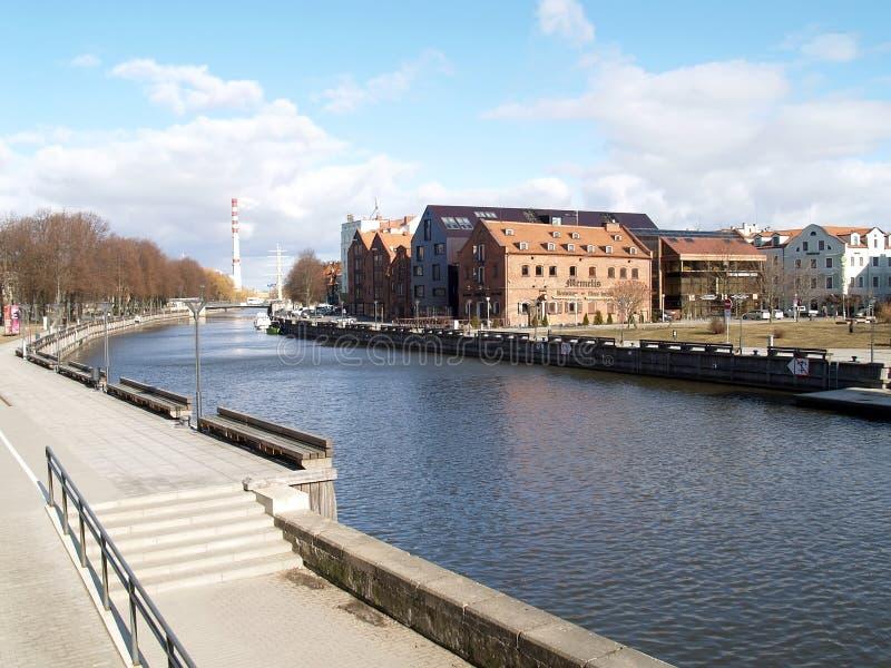 Klaipeda, Lituania Vista del fiume a Dana immagine stock libera da diritti