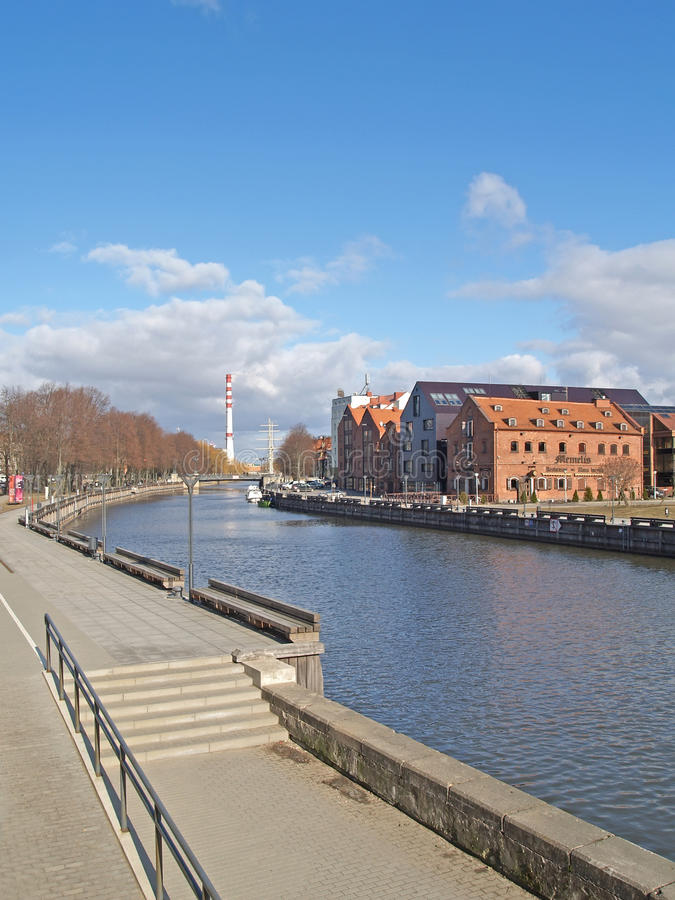 Klaipeda, Lituania Vista del fiume a Dana fotografia stock
