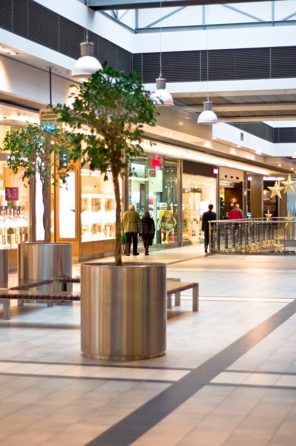 Klanten bij winkelcentrum stock foto