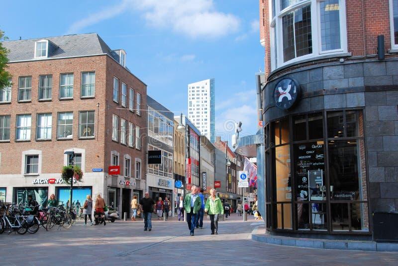 Klanten in het Stads centrum-Winkelend Centrum Eindhoven-Nederland royalty-vrije stock foto's