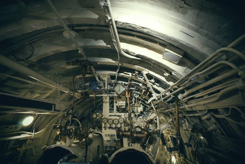 Klapy i drymby w starej łodzi podwodnej fotografia royalty free