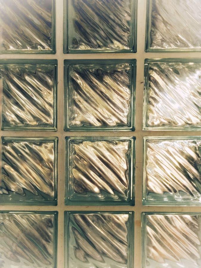 Klar exponeringsglasbakgrund, husvägg royaltyfri bild