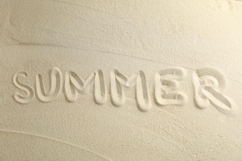 Klar havssand med inskriftsommar, utrymme för text och bästa sikt f?r sommarterritorium f?r katya krasnodar semester fotografering för bildbyråer
