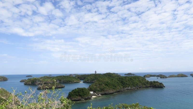 Klar himmel i hundra öar arkivbild