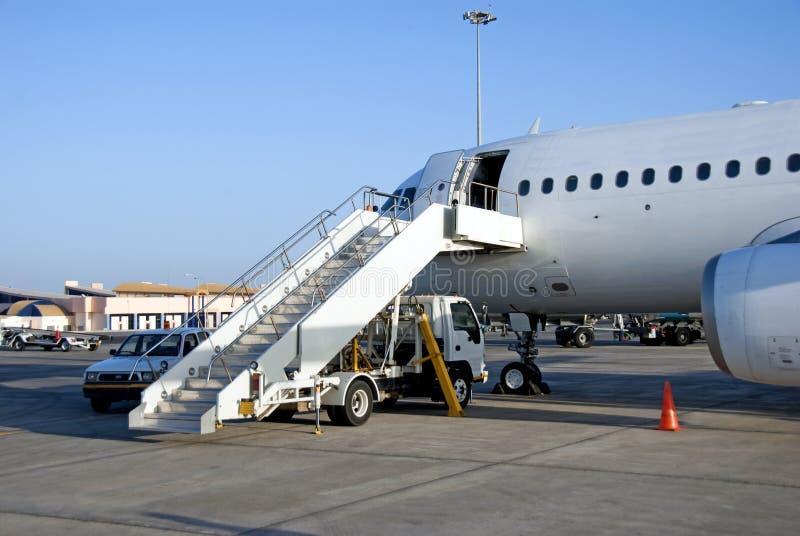 klara flygplanpassagerare arkivbild