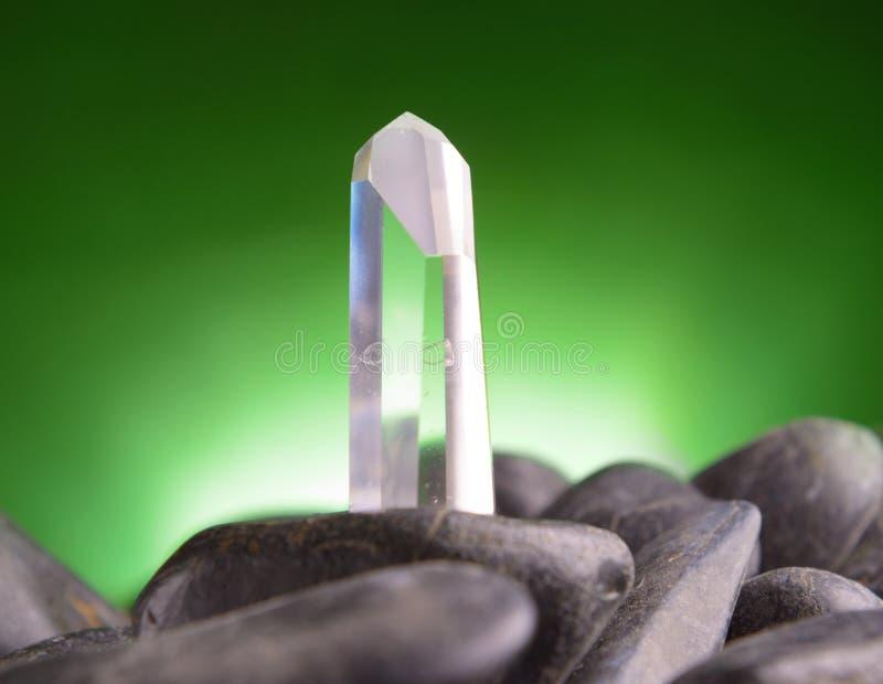 Klarer farbloser Quarzitkristall stockbilder