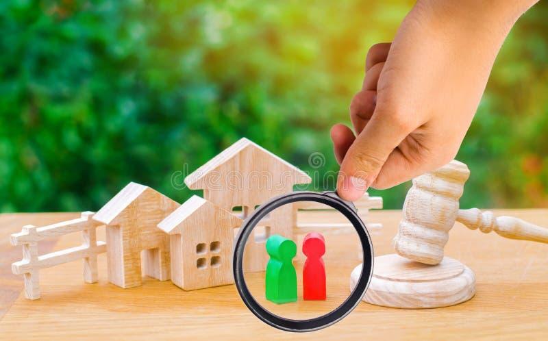 Klarowanie posiadanie domowy, nieruchomość/ sąd i obraz royalty free