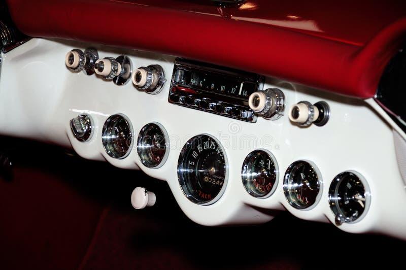 Klassiek autodashboard royalty-vrije stock foto