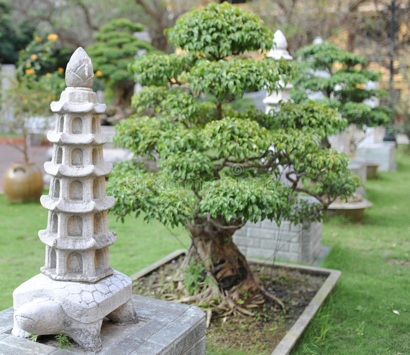 Klassiek de steenstandbeeld van Nice in het park royalty-vrije stock fotografie