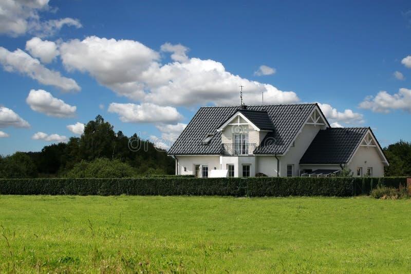 Klassiek huis royalty-vrije stock afbeelding