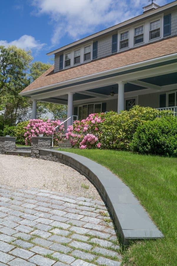 Klassiek huis op Cape Cod stock afbeeldingen