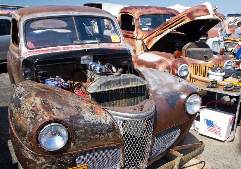 Klassiek Unrestored Ford Automobiles stock foto
