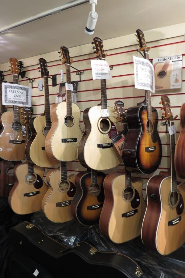 Klassieke of akoestische gitaren royalty-vrije stock fotografie