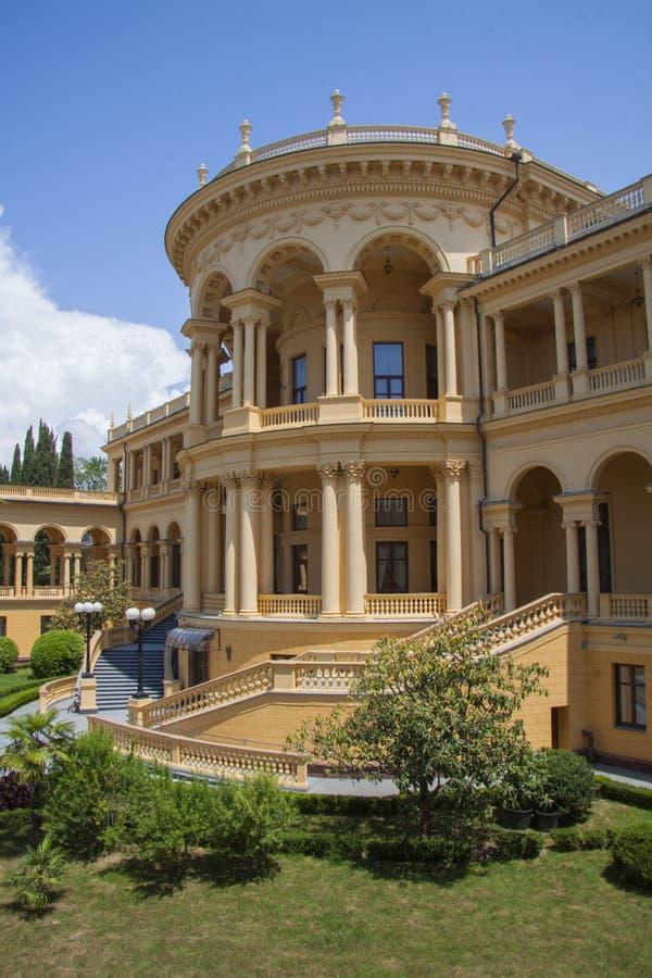Klassieke arcitecturevilla royalty-vrije stock foto's
