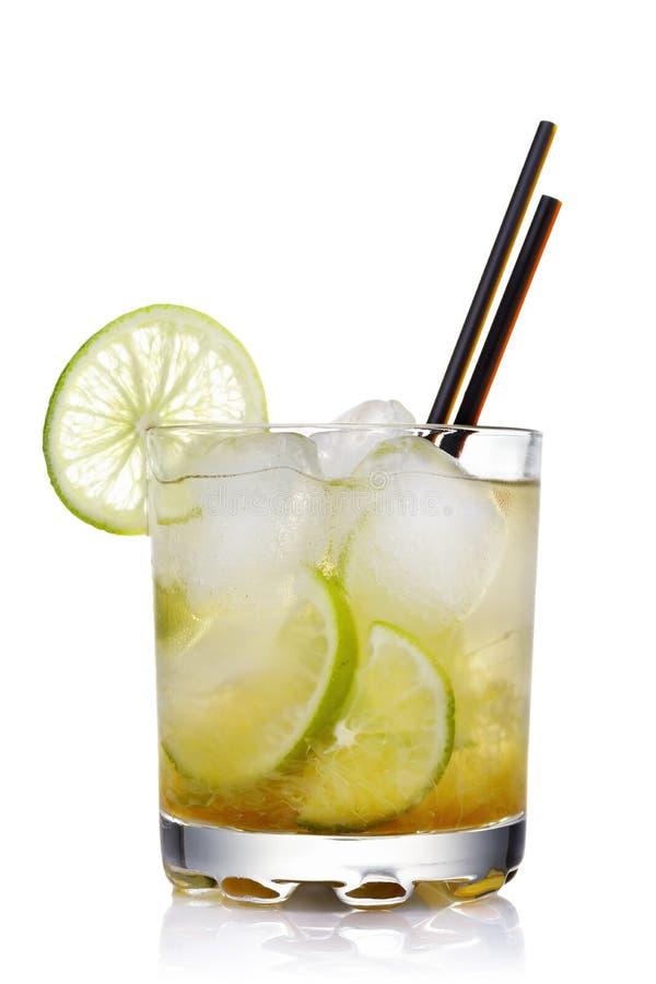 Klassieke Braziliaanse cocktail van geïsoleerde caipirinha royalty-vrije stock foto's