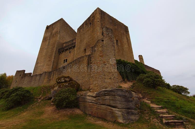 Klassieke brede hoekmening van middeleeuws Landstejn-Kasteel Het is het oudste en het best bewaarde Romaanse kasteel in Europa royalty-vrije stock afbeelding