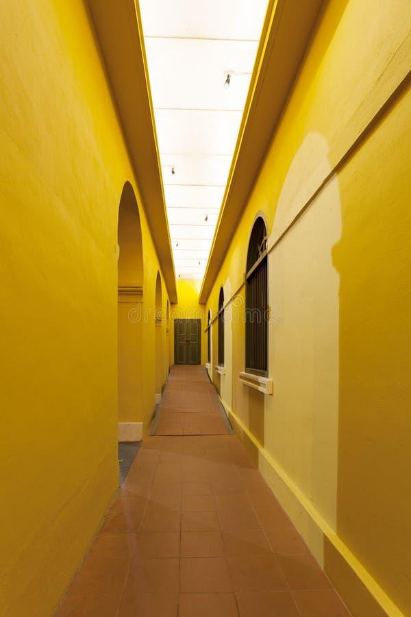 Klassieke gang van architectuur aan deur, Uitstekende ontwerparchi stock fotografie
