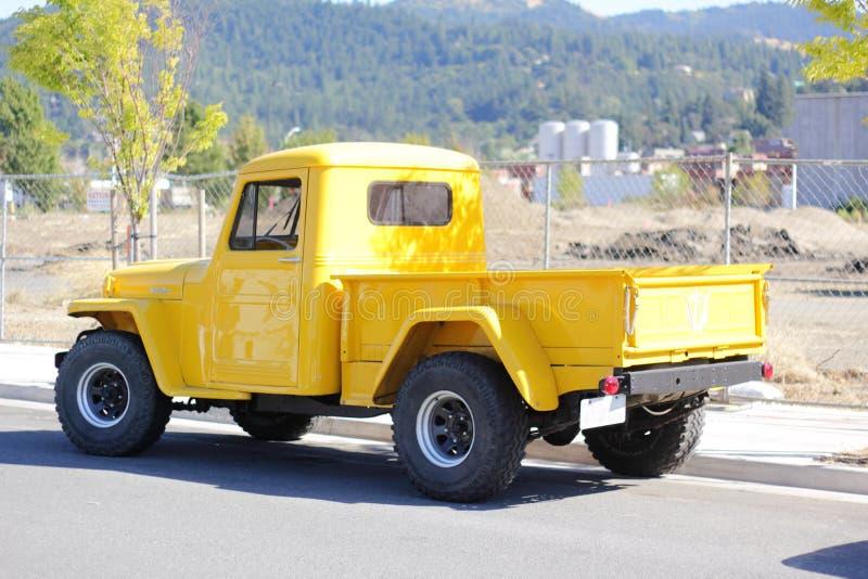 Klassieke herstelde Jeep Willis stock fotografie