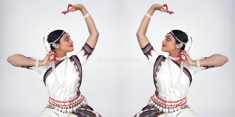 Klassieke Indische vrouwelijke danser royalty-vrije stock afbeelding