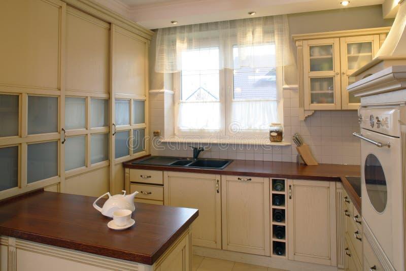 Klassieke keuken.   royalty-vrije stock afbeelding
