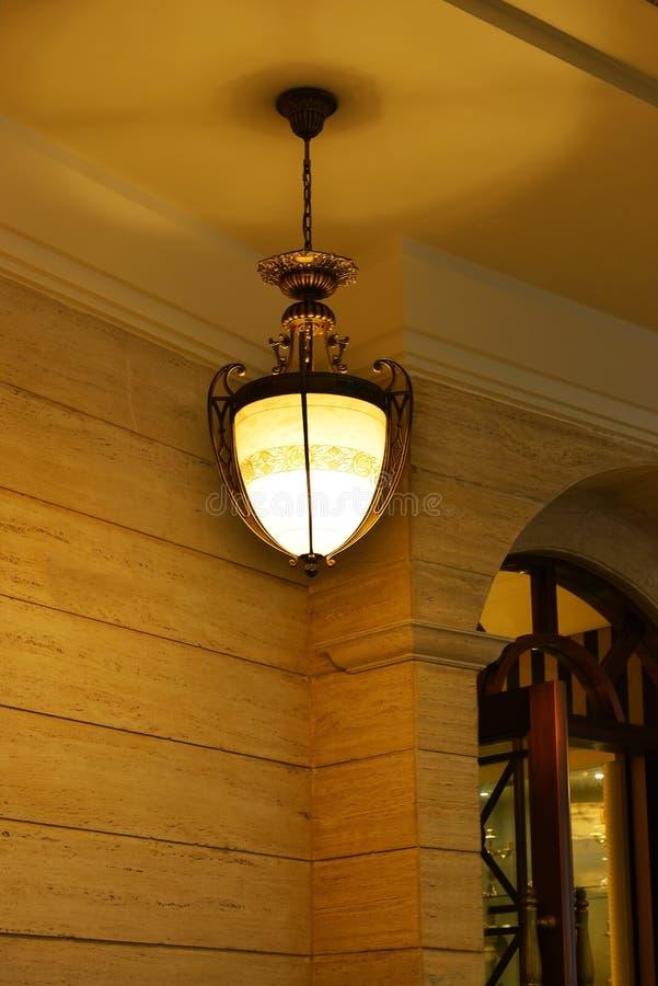 klassieke kroonluchterverlichting royalty-vrije stock afbeelding