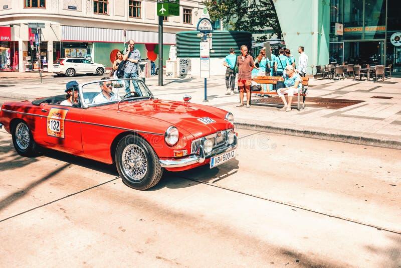 Klassieke oude auto'sverzameling van uitstekende auto's in Wenen, Oostenrijk stock afbeelding