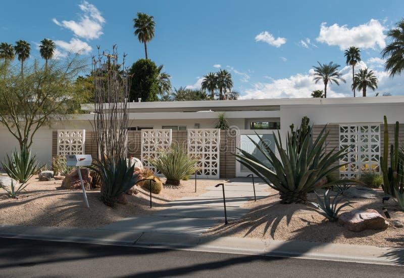 Klassieke Palm Springs woonarchitectuur stock fotografie