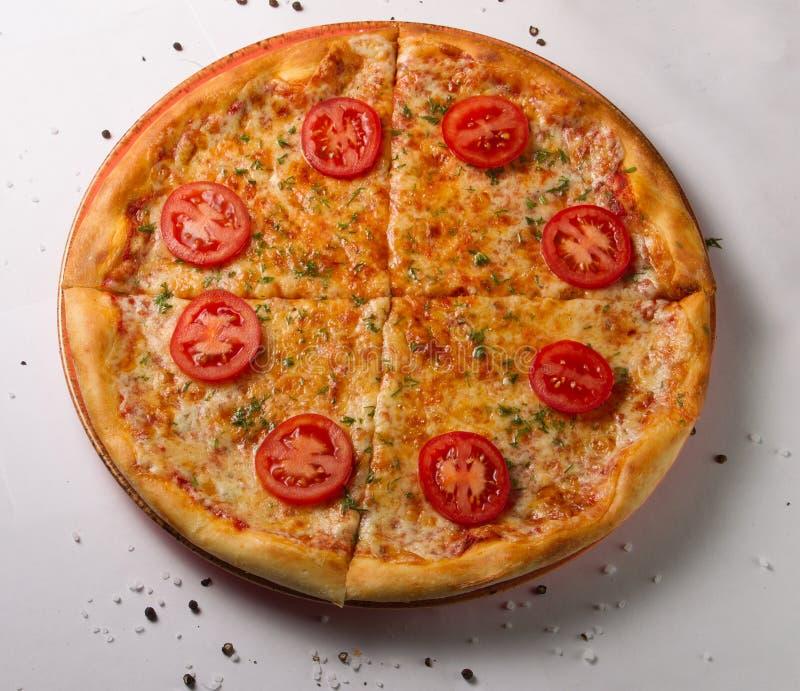 Klassieke pizza Margarita royalty-vrije stock afbeelding