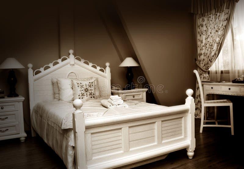 Klassieke slaapkamer stock afbeeldingen