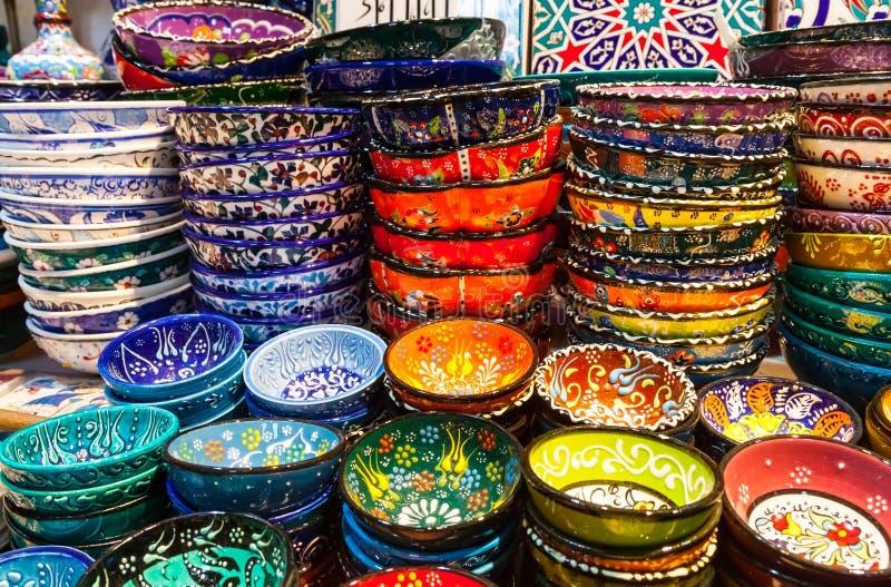 Klassieke Turkse keramiek op de markt royalty-vrije stock afbeeldingen