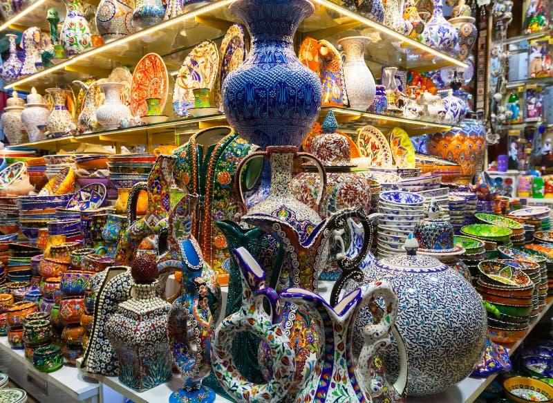 Klassieke Turkse keramiek op de markt royalty-vrije stock foto