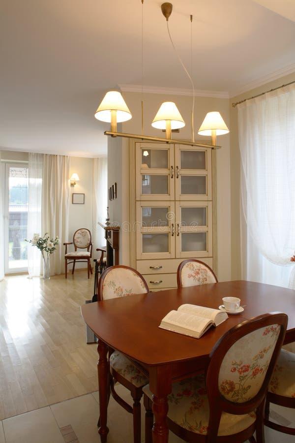 klassieke woonkamer stock afbeeldingen afbeelding