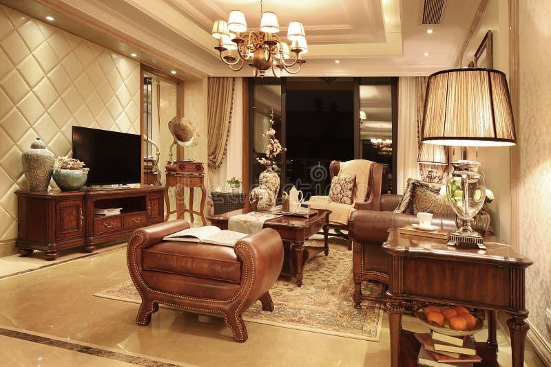 Klassieke woonkamer stock afbeelding. Afbeelding bestaande uit china ...