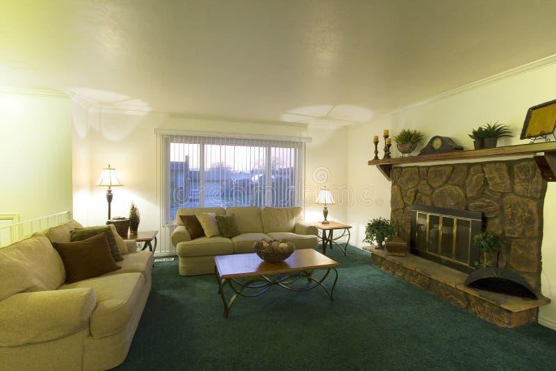 klassieke woonkamer royalty vrije stock afbeeldingen afbeelding