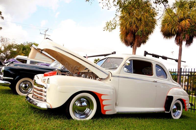 Klassiker Ford Deluxe 1946 stockbild