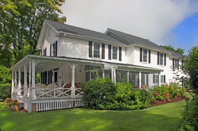 Klassische Amerikanische Häuser Stockfoto - Bild von schönheit ...