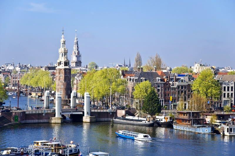 Klassische Amsterdam-Ansicht. stockfotografie