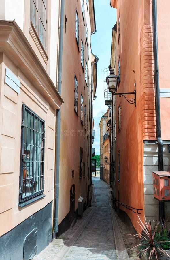 Klassische Architektur auf schmalen Straßen von Stockholm stockfoto