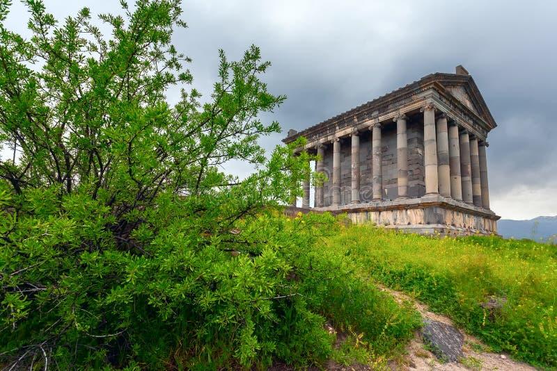 Klassische architektur heidnischer tempel von garni for Klassische architektur