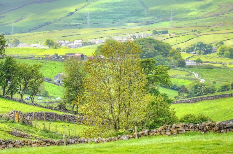 Klassische britische Landschaft am Höchstbezirk nahe Manchester lizenzfreie stockbilder