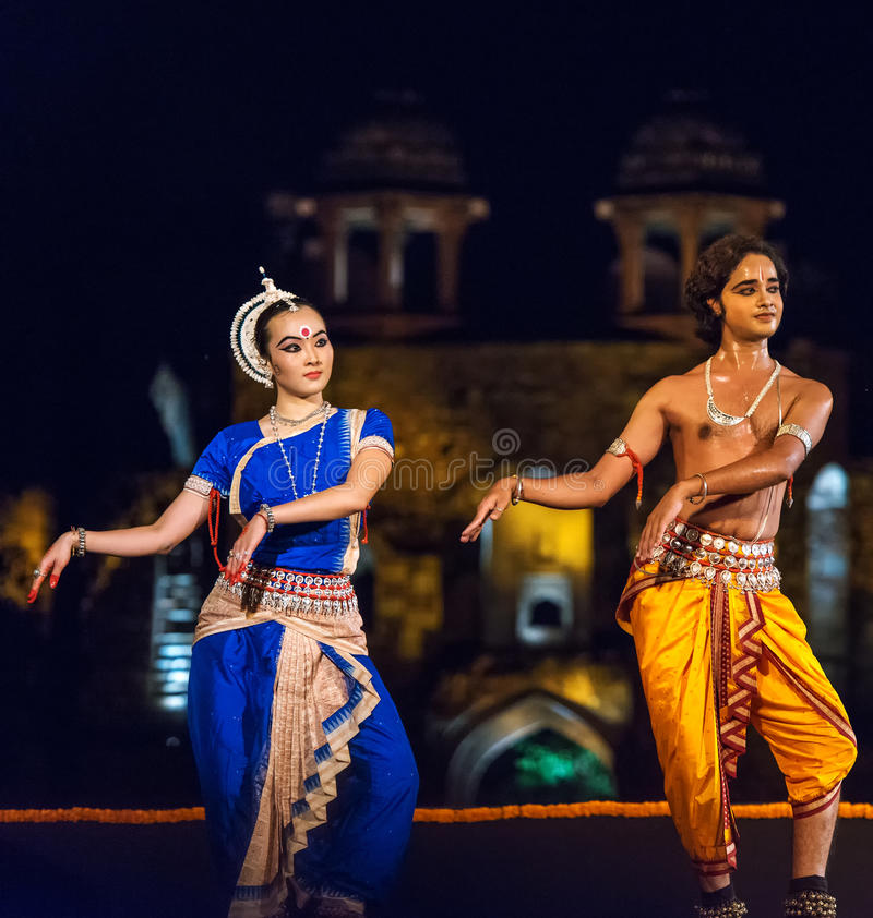 Klassische indische Tanzleistung lizenzfreie stockfotos