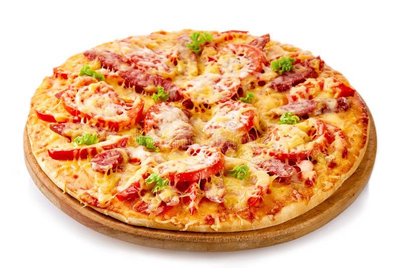 Klassische Pizza Margarita auf weißem Hintergrund lizenzfreie stockfotos